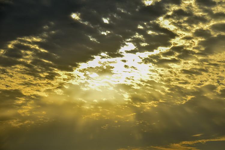 キラキラ降り注ぐ夕日